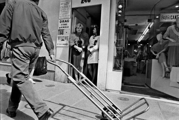 Труженицы секс-индустрии с улицы Сен-Дени. Фотограф Массимо Сормонта 60
