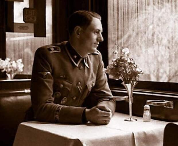 Рохус Миш: как последнего свидетеля смерти Гитлера пытали в советской тюрьме