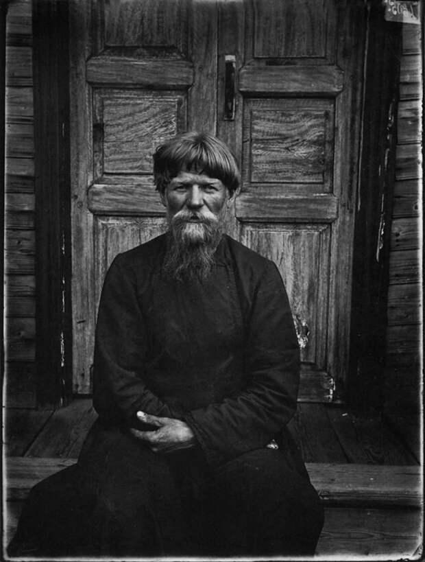 Настоятель молельни поморцев в Семеновском уезде. 1897 г