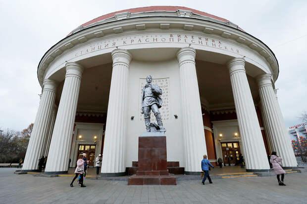 10 самых красивых станций Московского метро... снаружи (ФОТО)