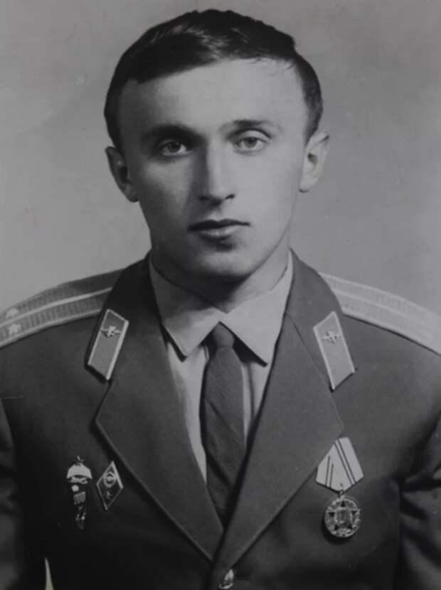 Павел Грачев молодости