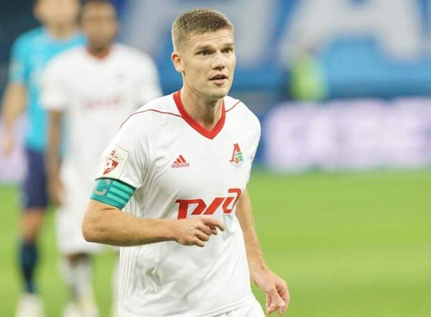 Денисов помог Сёмину в чемпионском году дважды обыграть «Зенит»: мэтр внес изменения в состав «Локо» после разговора с Игорем