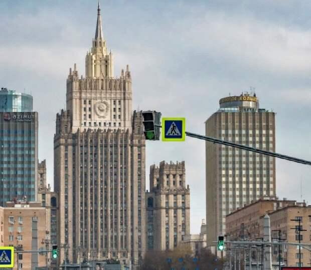 Россия объявила персоной нон грата первого секретаря посольства Албании в Москве