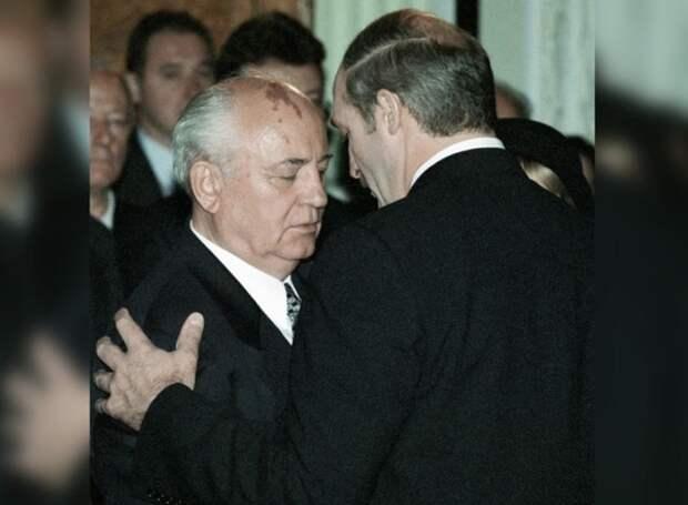 Горбачёв предрёк скорое прояснение ситуации с будущим Лукашенко в Белоруссии