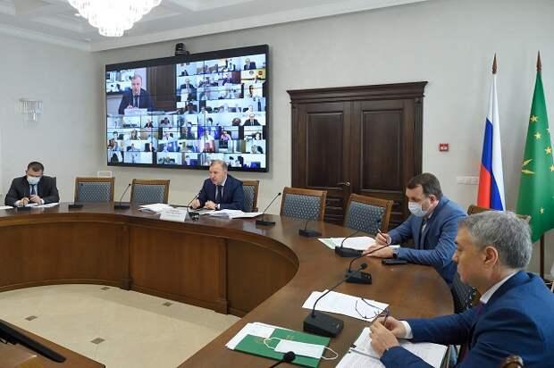 Глава Адыгеи: Все поручения Президента РФ по выплатам гражданам должны быть реализованы в полном объеме