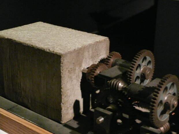 Колесо в бетоне: научный эксперимент длиной тысячу лет