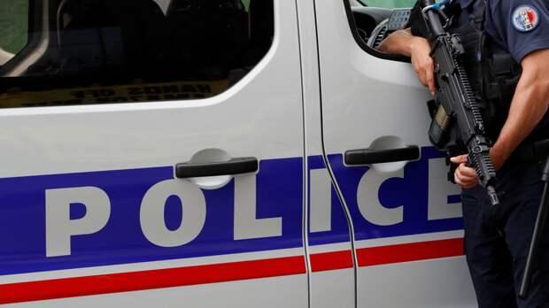При нападении под Лионом погиб один человек и шесть пострадали