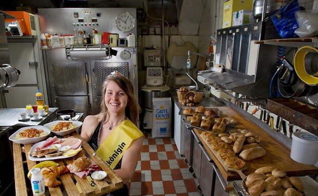 Robina Weiser-Linnartz - кондитер-пекарь из Кельна. Суточное потребление - 3700 ккал