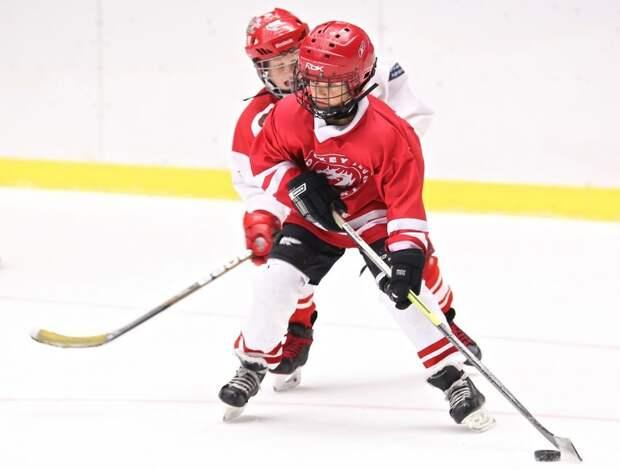 В хоккейной школе на Левобережной проходят просмотры в команду