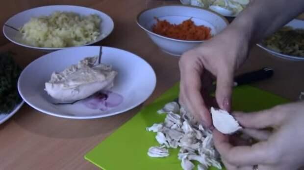 Хит праздничного стола: новогодний салатик «Сугробы»