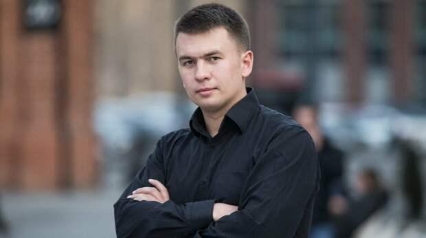 Илья Ремесло – молодой, но достаточно известный юрист. Фото newsland.com