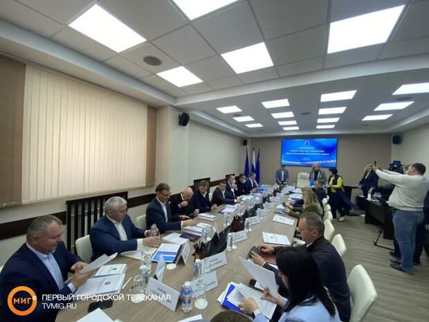 В Муравленко прошло выездное заседание совета глав муниципальных образований