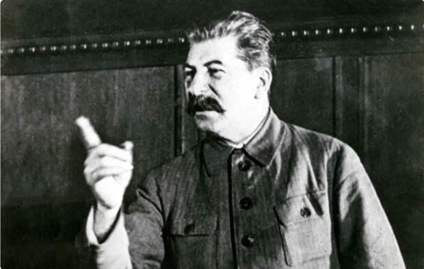 В политбюро мало платят? Идите работать в шахтеры! Как Сталин поступал с алчными чиновниками