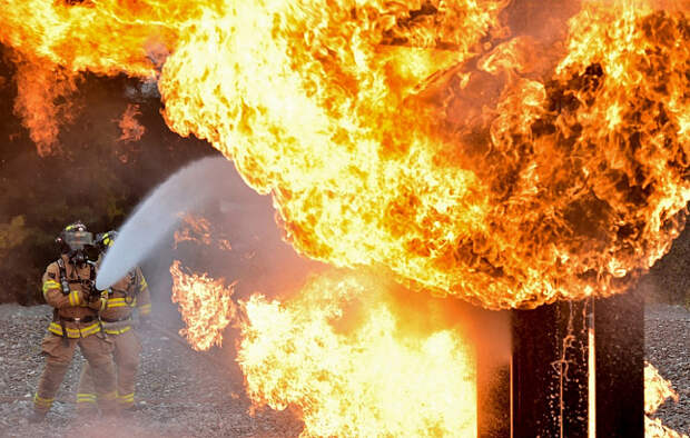 Спасатель МЧС: В России меньше пожаров, но больше жертв, чем в США