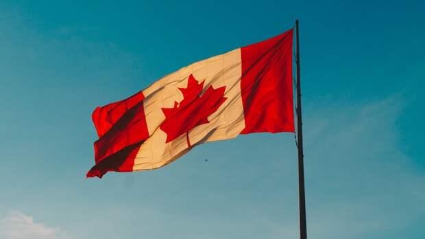 Канада откроет границу для вакцинированных американских путешественников в августе