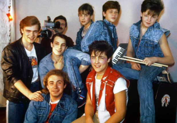Жили бедно— хватит: как изменились гонорары отечественных звезд современ СССР