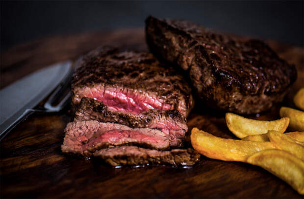 Проверяем готовность разного мяса по температуре