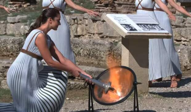 В Греции зажгли огонь пекинской Олимпиады