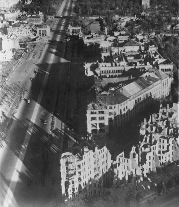1052 Послевоенный Берлин с высоты птичьего полета