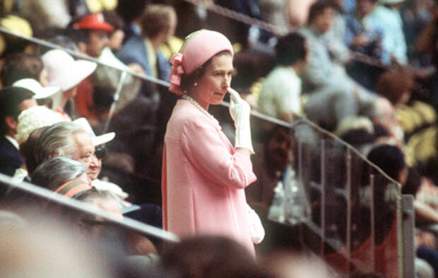 Елизавета II отмечает 95-летие в трауре по супругу