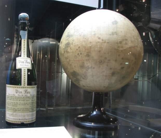 Обратная стороны Луны и пари на 1 000 бутылок шампанского