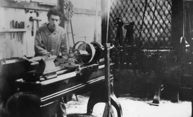 """Луи Рено. Тройка интересных фактов о человеке, который создал концерн """"Renault"""""""