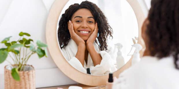 Учёные выяснили, почему смотреть на своё лицо полезно
