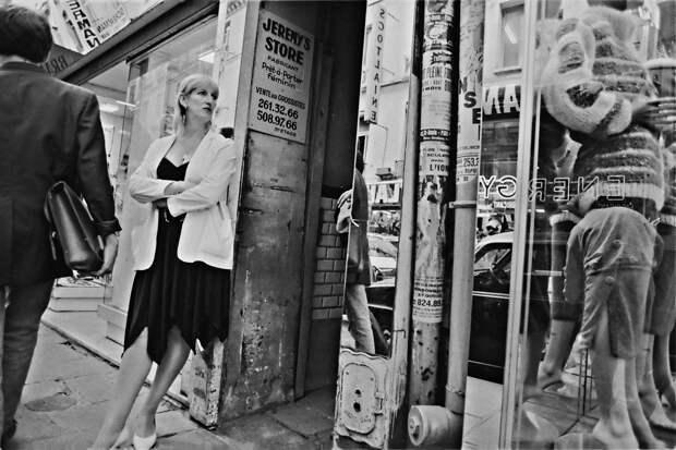 Труженицы секс-индустрии с улицы Сен-Дени. Фотограф Массимо Сормонта 34