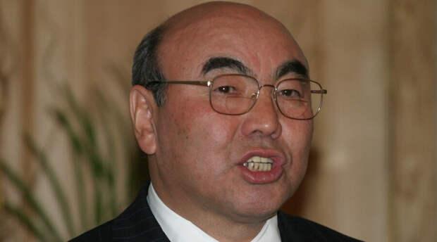 Изгнанный 16 лет назад экс-президент Киргизии вернулся домой