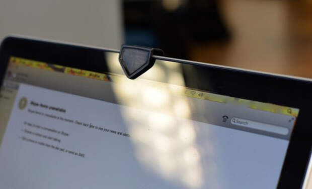 Заклеиваем камеру на ноутбуке
