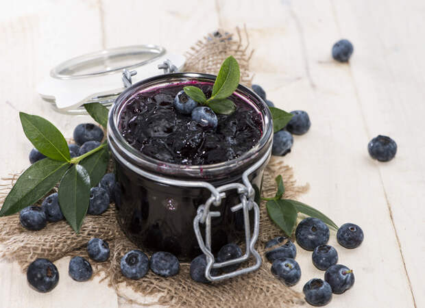 Черника протертая с сахаром: рецепт заготовки на зиму
