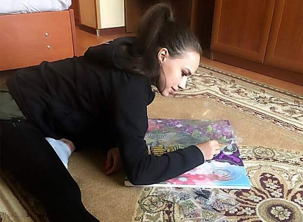 Загитова показала, что помогает ейрасслабиться после тяжелых тренировок