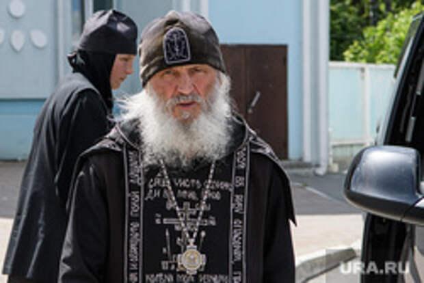 Силовики приехали в захваченный Сергием монастырь. Повод дали воевавшие на Донбассе казаки