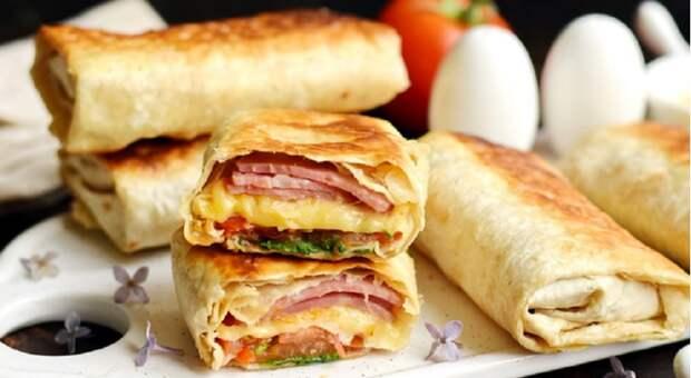 Горячие бутерброды в лаваше: готовятся за 10 минут