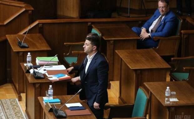 Вугоду Западу: Как гарант Конституции Владимир Зеленский ееже инарушает