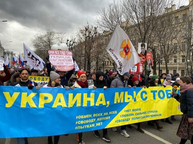 «С такими друзьями и врагов не надо…», - какую цель преследуют российские либералы, «уничтожая» российскую вакцину…