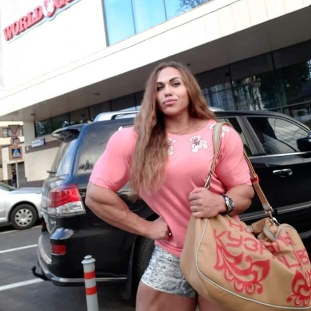 В погоне за женственностью Наталия Кузнецова, бодибилдерша, в мире, внешность, люди, мышцы, спорт