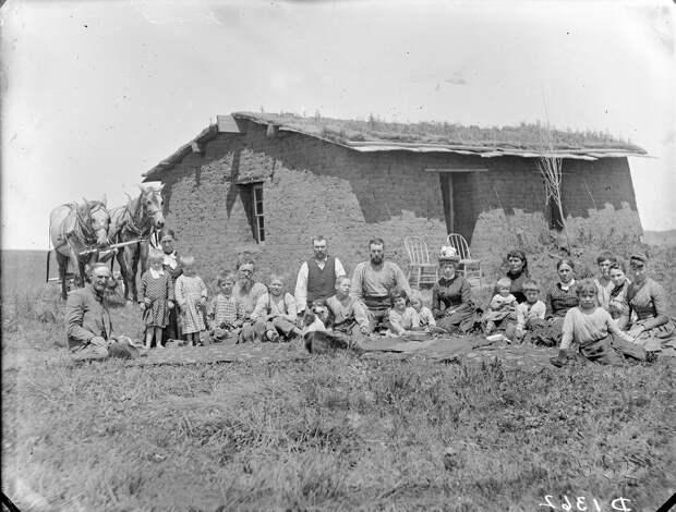 Архивные фотографии поселенцев Великих равнин с конца 19–го века