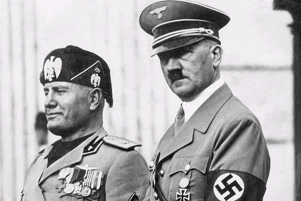 Бенито Муссолини и Адольф Гитлер в 1937 году. Фото: GLOBAL LOOK PRESS