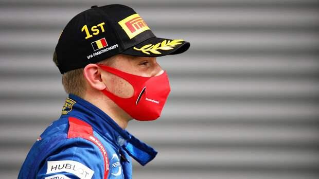 Российский гонщик Шварцман дебютирует в Формуле-1 на практике Гран-при Абу-Даби