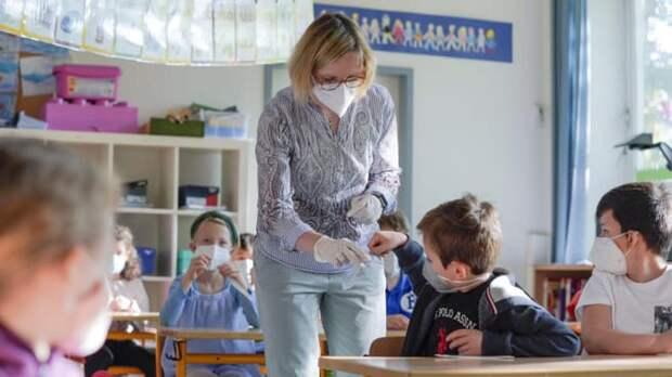 Избыток тестов и нехватка учителей: в школах Северного Рейна-Вестфалии тысячи вакантных мест