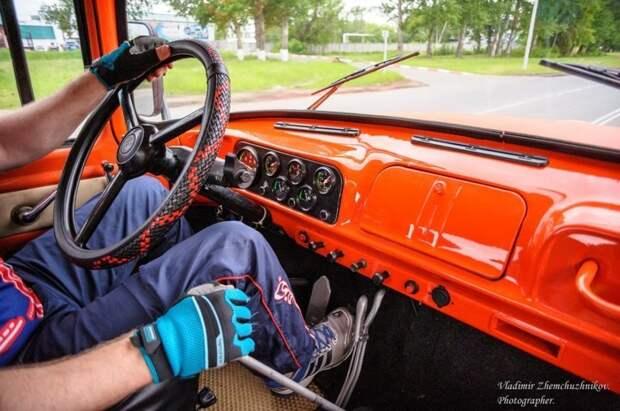 Омский бизнесмен собрал оранжевый пикап из ЗИЛа авто, автоспорт, гонки, зил