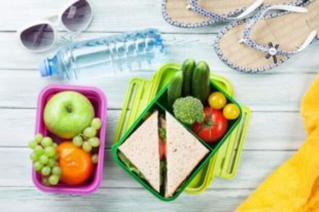 Еда к морю. Какие продукты взять с собой на пляж?