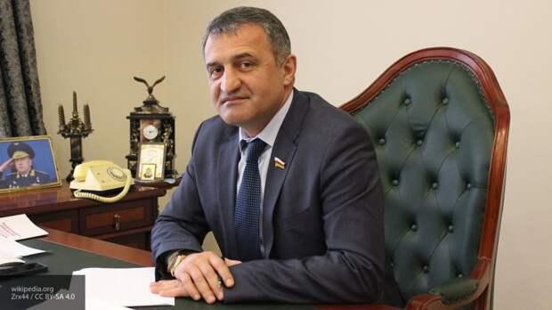 """Президент Южной Осетии назвал """"смыслом жизни"""" присоединение республики к РФ"""