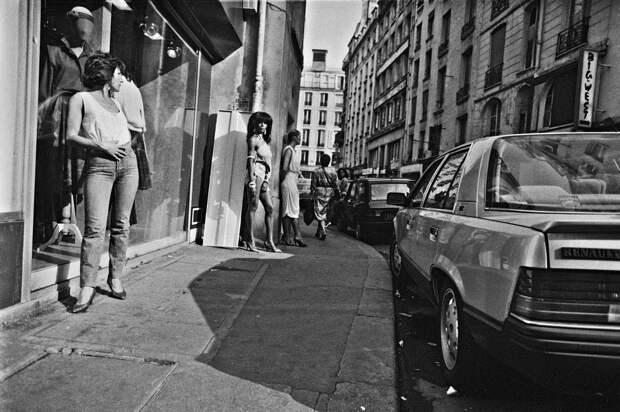 Труженицы секс-индустрии с улицы Сен-Дени. Фотограф Массимо Сормонта 44