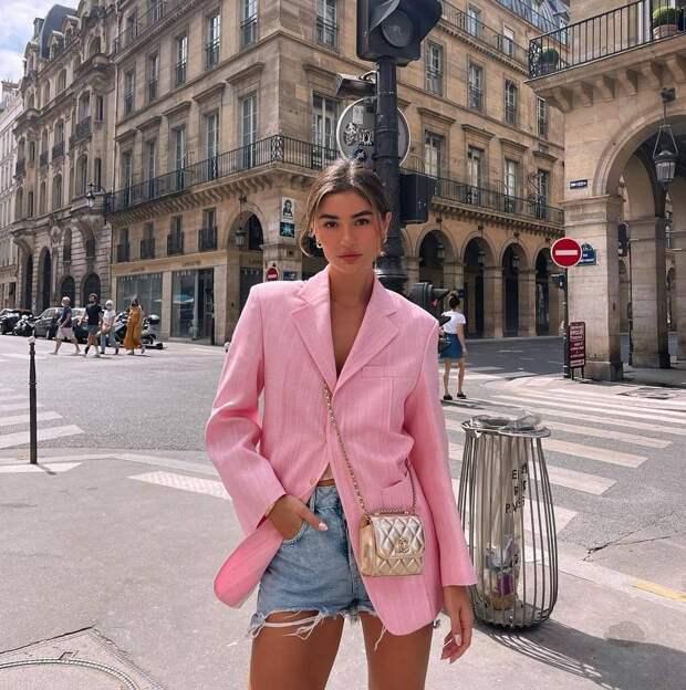 Модные образы на август 2021: комфортные и стильные примеры
