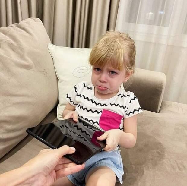 Как отучить ребенка от гаджетов? С чего начинается зависимость.