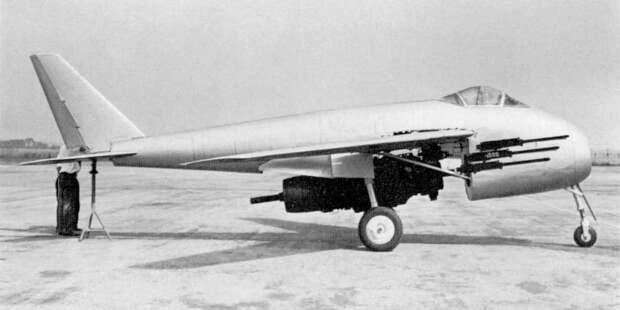Восстановленный вСША прототип P.1101. Летать он, понятно, немог