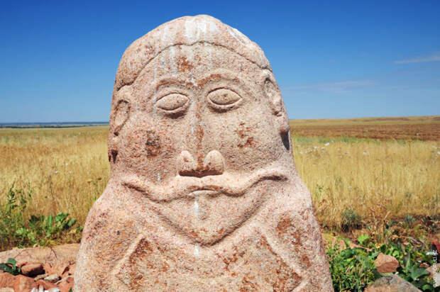 Большинство памятников в этом комплексе относятся к VIII веку