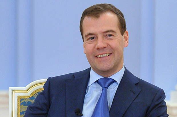 Как передвигается премьер-министр России по Севастополю